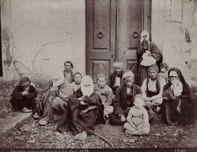 Adrianople region Turkish refugees sheltering in Gül Mosque in Constantinople, photograph by Berggren