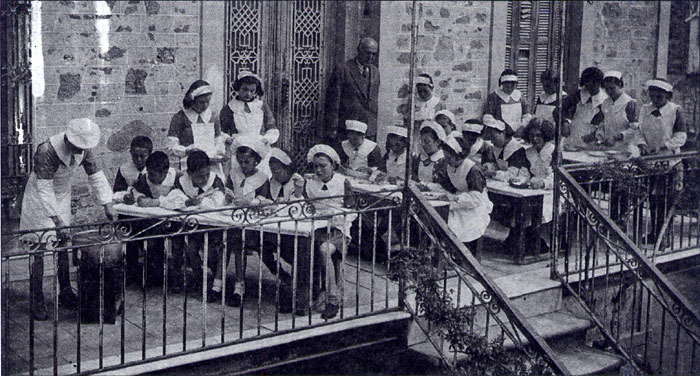 Primary school girls in domestic science lesson in 1937