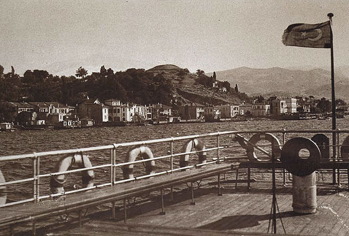 photo of the Göztepe coastline near Izmir, dated around 1930
